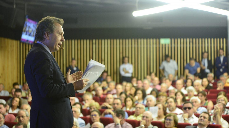Javier Cremades durante una asamblea del Popular.