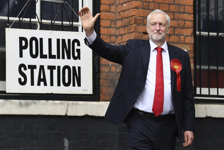 Jeremy Corbyn, en su colegio electoral.