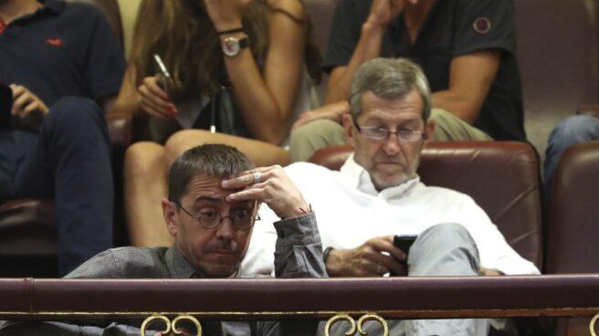 Juan Carlos Monedero y Julio Rodríguez, en la moción de censura.