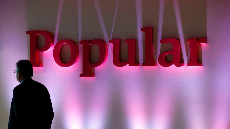 Logo de Popular en la sede del banco.