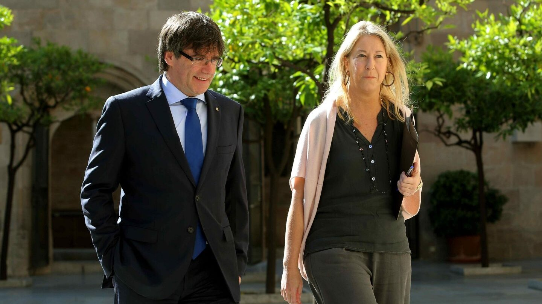 Puigdemont y Munté llegan a la reunión del Govern.
