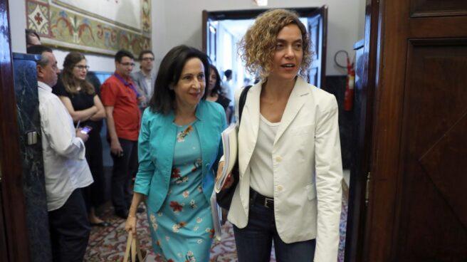 Margarita Robles y Meritxell Batet, en el Congreso.