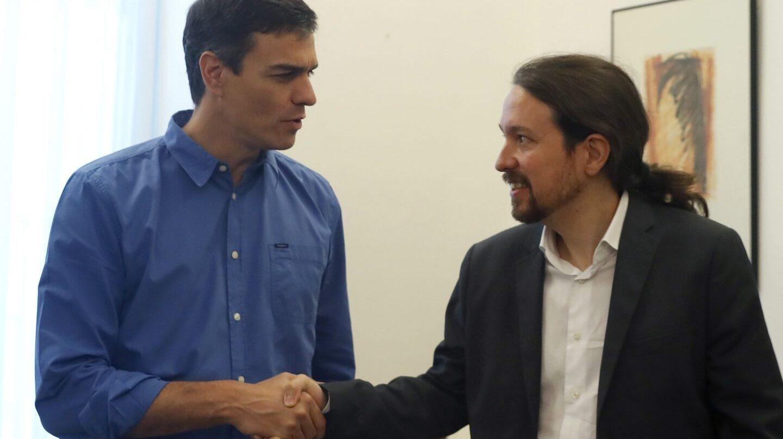 Pedro Sanchez y Pablo Iglesias, en su reunión en el Congreso.