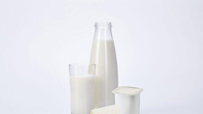 Si te dicen que dejes la leche porque los demás mamíferos lo hacen, los expertos dicen que no hagas caso.
