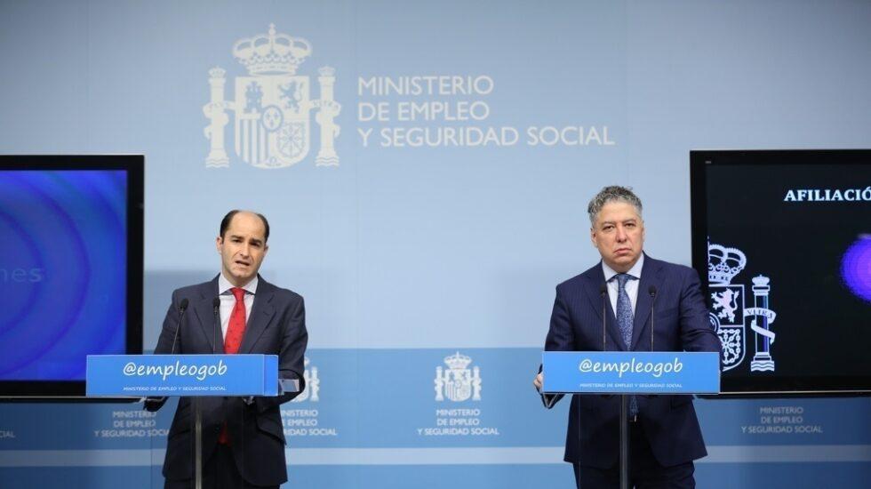 Los secretarios de Estado de Empleo, Juan Pablo Riesgo (izquierda), y Seguridad Social, Tomás Burgos (derecha), responsable este último de las pensiones de orfandad.