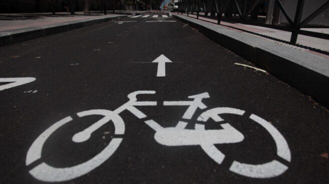 Ayuso promete 250 kilómetros de carril bici para conectar ciudades entre sí