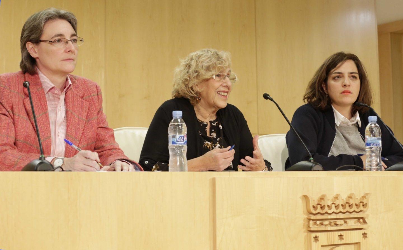 Marta Higueras, Manuela Carmena y Celia Mayer el día en que la alcaldesa asumió las competencias de Cultura de Mayer.