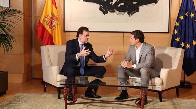 Rajoy y Rivera en una reunión en el Congreso