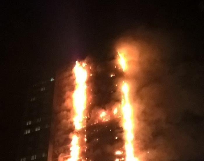 Incendio de un edificio en Londres.