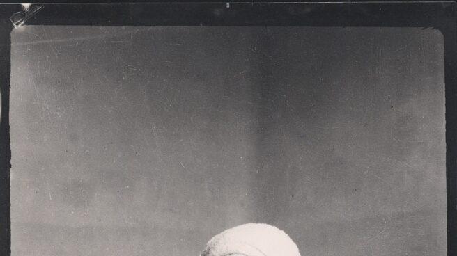 Federico García Lorca con turbante en la Residencia de Estudiantes, Madrid, 1924.