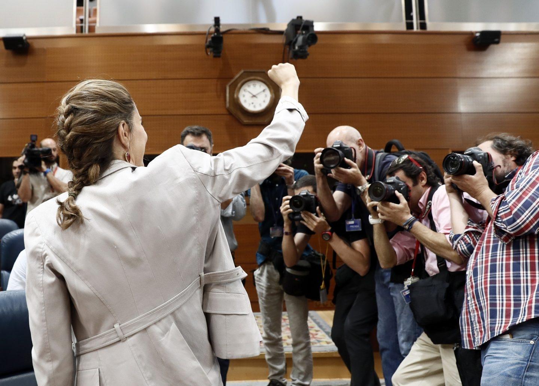 Lorena Ruiz-Huerta, candidata de Podemos a presidir la Comunidad de Madrid, durante la moción de censura a Cristina Cifuentes.