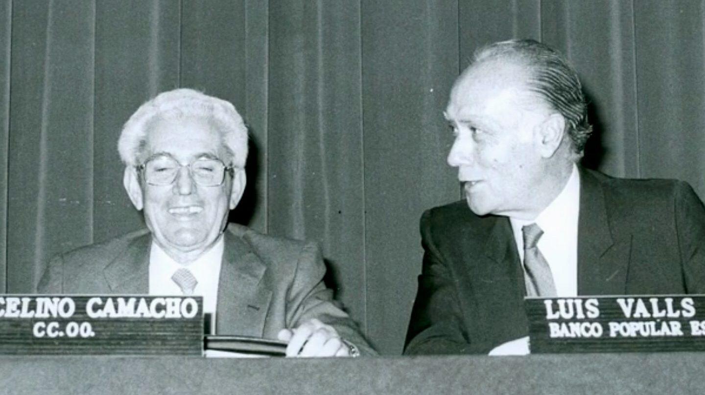 Luis Valls Taberner, histórico presidente de Banco Popular, junto al que fuera líder de CCOO Marcelino Camacho.