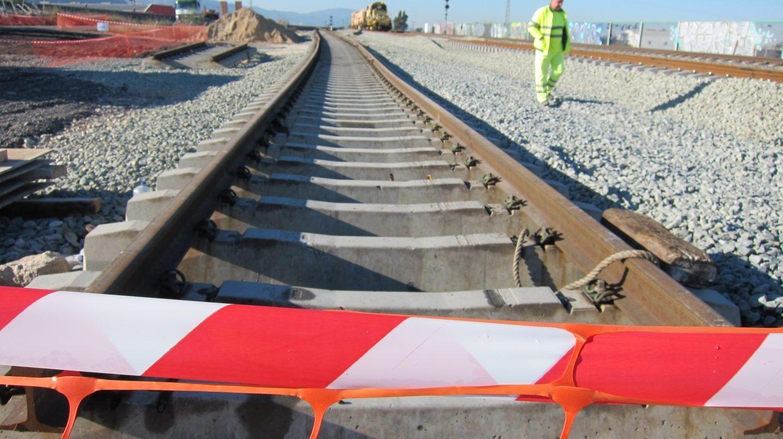 Obras en una línea de tren de alta velocidad.