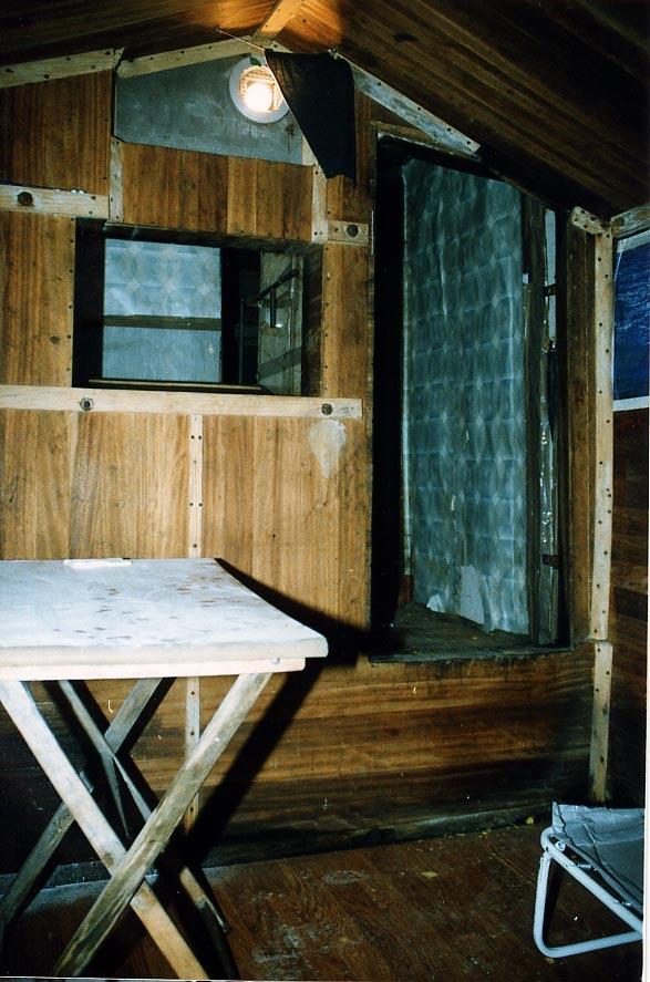 Imágenes del zulo en el que permaneció secuestrado Ortega Lara.