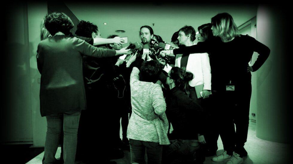 Pablo Iglesias responde a varios medios de comunicación.