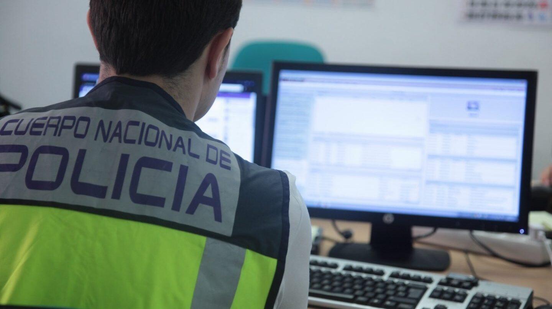 La Unidad de Investigación Tecnológica de la Policía Nacional trabaja en la búsqueda de pornografía infantil.