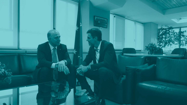 Pedro Sánchez en su encuentro con el comisario de la UE Pierre Moscovici.