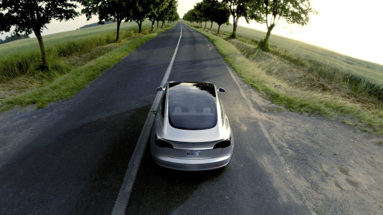 Uno de los Model 3 de Tesla.