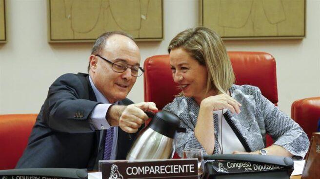 El gobernador del Banco de España, Luis María Linde, durante su comparecencia en el Congreso.