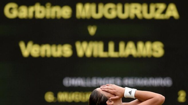 Garbiñe Muguruza tras ganar el torneo de Wimbledon.