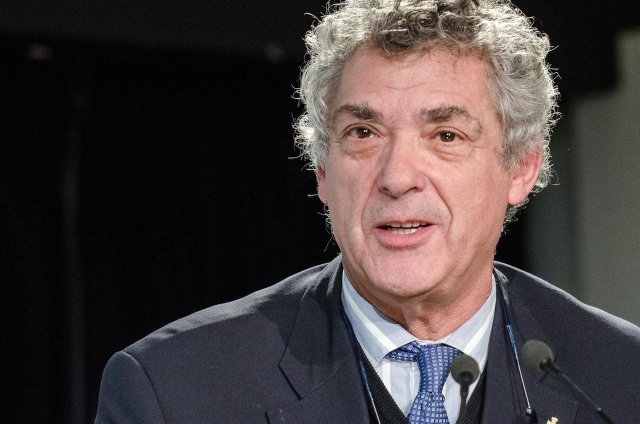 Ángel María Villar ha sido suspendido de sus funciones por el CSD tras decretar el juez Santiago Pedra ingreso en prisión incondicional.