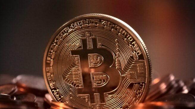 Representación física de un bitcoin.