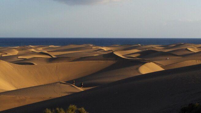 Dunas de arena en la Playa de Maspalomas.