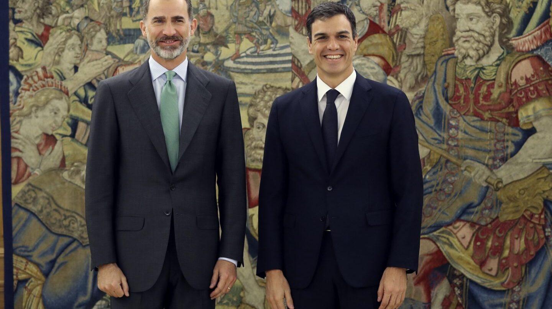 El Rey recibe en la Zarzuela a Pedro Sánchez.