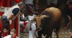 El toro 'Huracán' de El Puerto lidera un tercer encierro veloz y sin cornadas