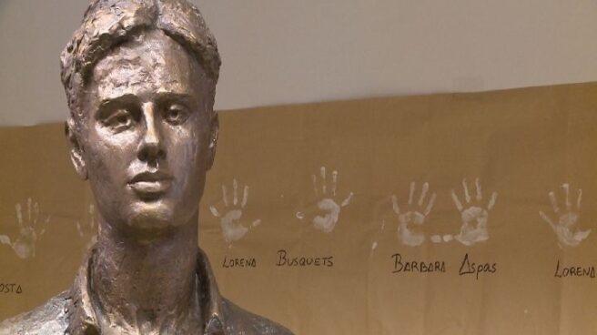 Estatua de Miguel Angel Blanco.