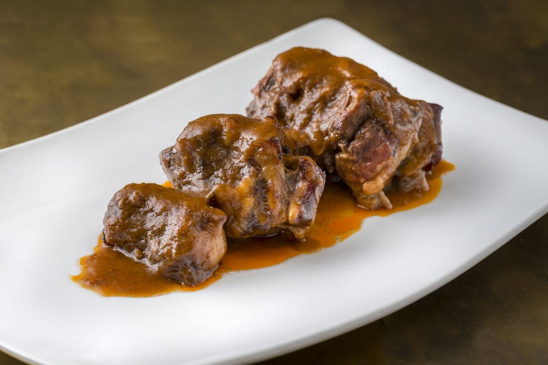 Plato de rabo de toro del restaurante Donde Marian.
