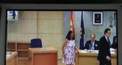 Mariano Rajoy abandona la sala de Gurtel.