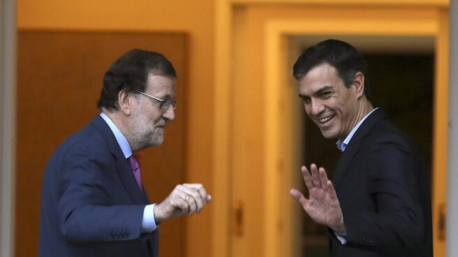Mariano Rajoy y Pedro Sanchez, en la Moncloa.