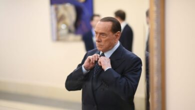 Berlusconi  ingresa en el hospital por segunda vez en un mes