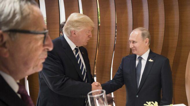 Trump y Putin se dan la mano en el G-20.