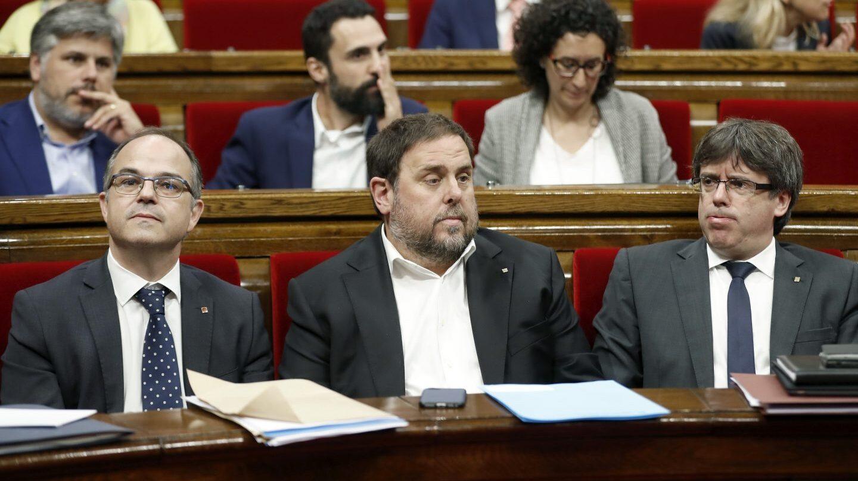 Turull, Junqueras y Puigdemont, en el Parlament.