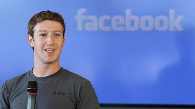 Facebook sigue dominando en tu móvil.
