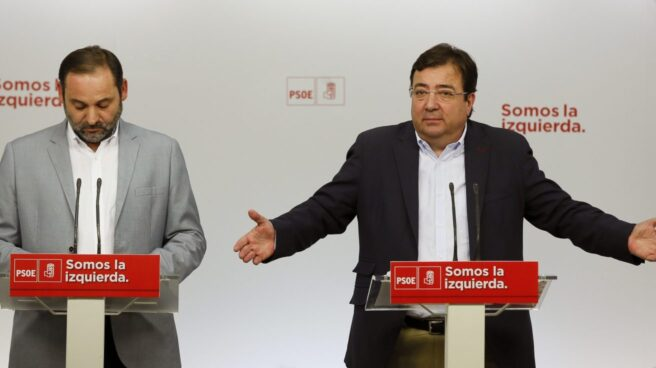 José Luis Ábalos y Guillermo Fernández Vara, este lunes en Ferraz.