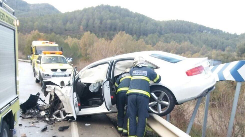 Accidente de tráfico en una carretera española.