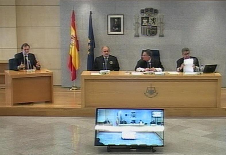 """La acusación popular de Adade ha criticado los """"resabios autoritarios"""" del presidente del tribunal, Ángel Hurtado."""
