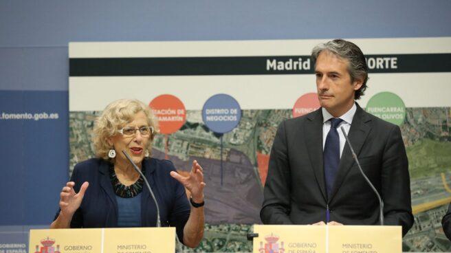 Carmena y De la Serna durante la presentación de Madrid Nuevo Norte, proyecto que fustiga un sector de Podemos.