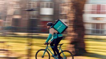 """El Gobierno plantea un plazo de tres meses para regularizar a los """"riders"""""""