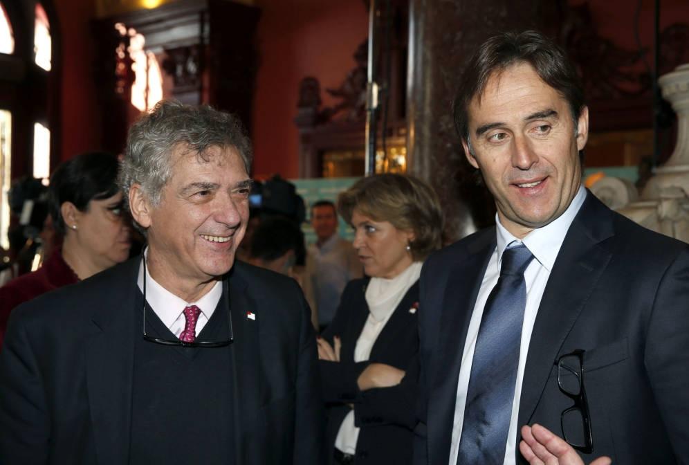 El presidente de la Federación Española de Fútbol, Ángel María Villar, y el seleccionador nacional, Julen Lopetegui.
