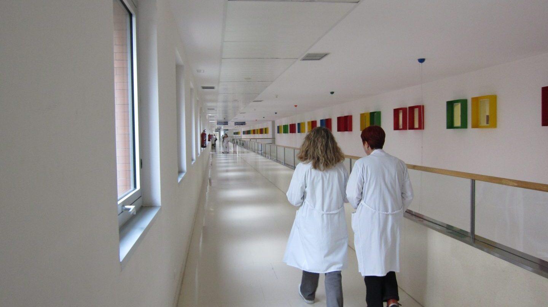 """Los médicos de atención primaria dicen estar """"al límite"""" por número de pacientes."""