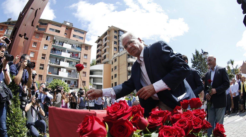 El alcalde de Ermua, Carlos Totorica, en el homenaje a Miguel Ángel Blanco de 2017-