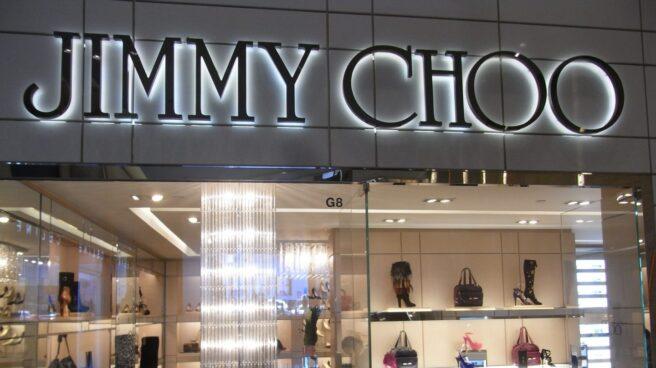 Vista general de un establecimiento de la firma Jimmy Choo, ahora propiedad de Michael Kors.
