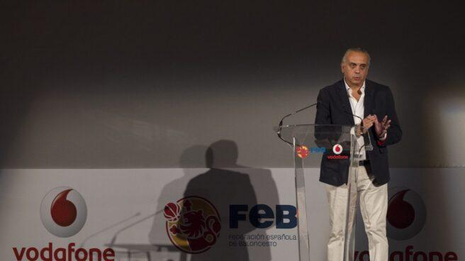 El ex presidente de la Federación Española de Baloncesto (FEB) José Luis Sáez en un acto.