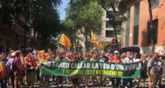 Manifestación en Barcelona frente al cuartel de la Guardia Civil en Travessera de Gracia.