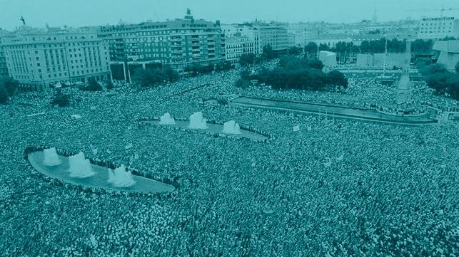 Manifestación de repulsa contra el asesinato de Miguel Ángel Blanco.