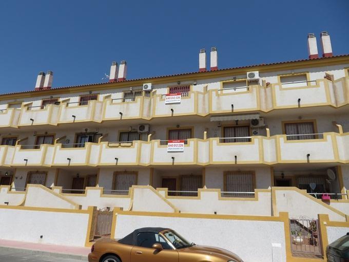 Pisos ofertados en la web de Altamira (Santander) en la provincia de Alicante, cerca de la playa.
